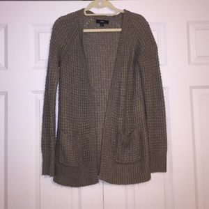 Tan long-sleeve cable knit cardigan
