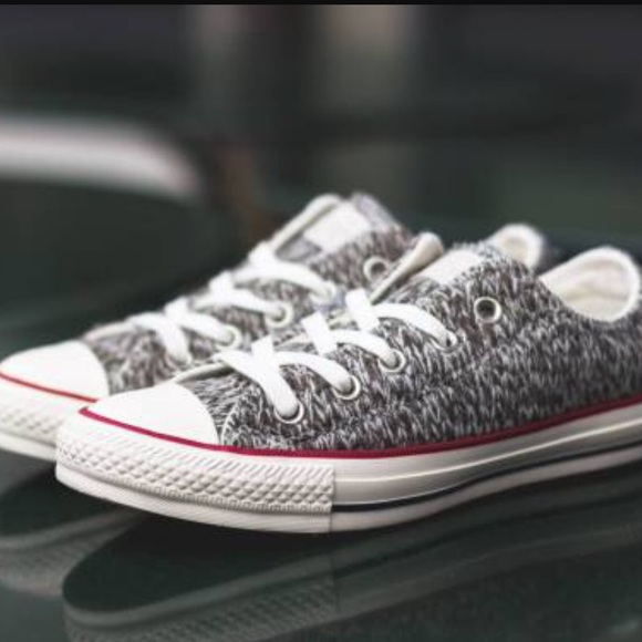 59a1a5a059839d NWT converse knitted shoes