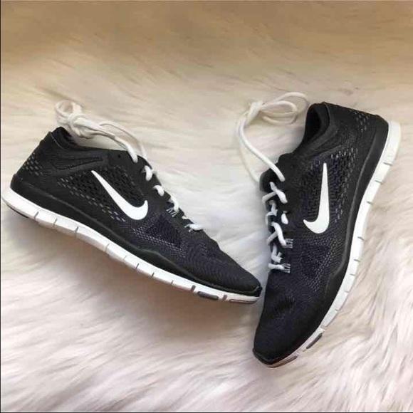 nike libera tr forma 4 scarpe nwt