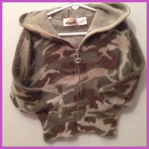 Camoflage zip up hooded sweater🔺