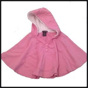 Pink Hooded Poncho . Adorable!🔺