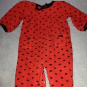 Fleece outfit - red with black hearts