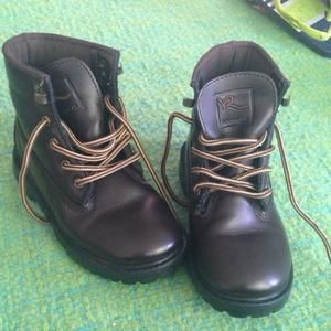 Other - 👞 Rocawear Boy Boots size 12.5 / 12.5c EUC 👞