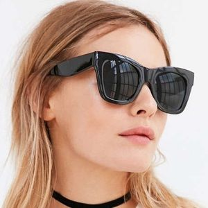 Chunky style sunglasses