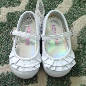 Other - NWT white girls shoes size 6