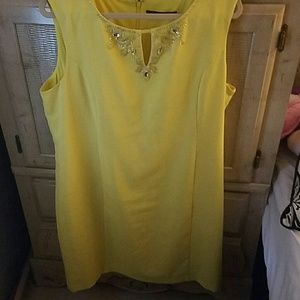 Ellen Tracy Dresses & Skirts - SALE!! Yellow Ellen Tracy Dress
