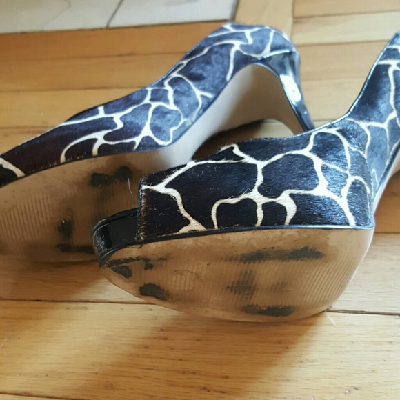 90 nine west shoes nine west black and white pony