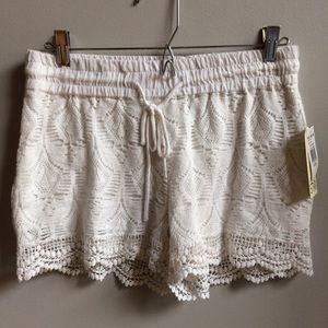 Vanilla Star Pants - NWT White Lace Lined Shorts