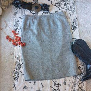 Larry Levine Dresses & Skirts - Vintage Plus Size Classic Charcoal Pencil Skirt