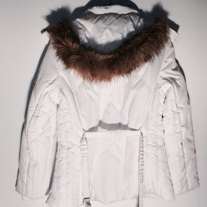 Jackets & Blazers - NWT White Quilted Ski Jacket Parka