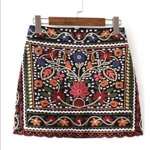 Gorgeous embroidered mini skirt