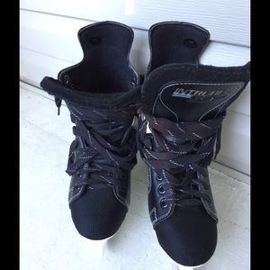 Shoes - SOLD 🌟🌟🌟Men's hockey skates