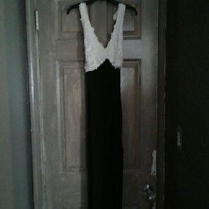 Zeta Ville Dresses & Skirts - Black and white formal dress
