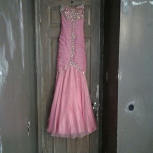 Viviana Dresses & Skirts - Pink prom dress