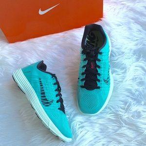 LAST CHANCE!NIB Nike Lunaracer 3 in Hyper Turquise