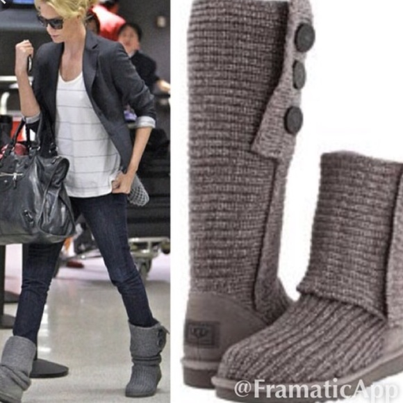 Tall Cardy UGG Sweater Boots🎉 1 day special Firm!