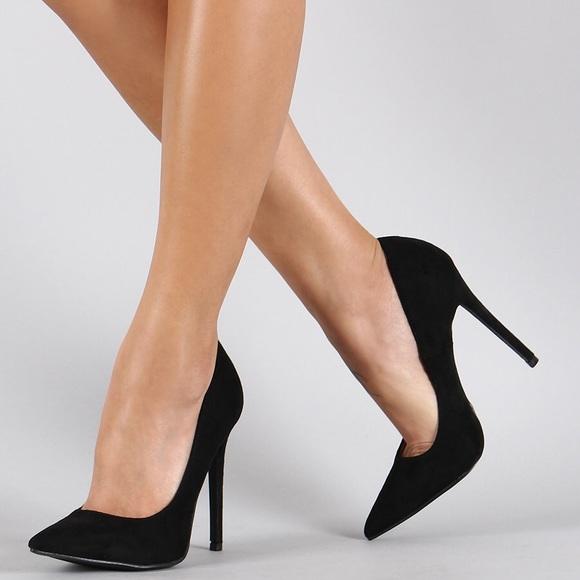 2cfdfa9ff641 Shoe Republic LA Suede Pointy Toe Stiletto Pump. M 58054b824225be7bbe00ada5