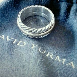 Authentic Yurman cable unisex band ring.