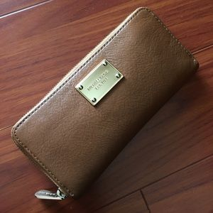 Authentic Michael Kors MK Brown Leather wallet