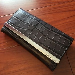 Authentic Michael Kors MK Wallet Display