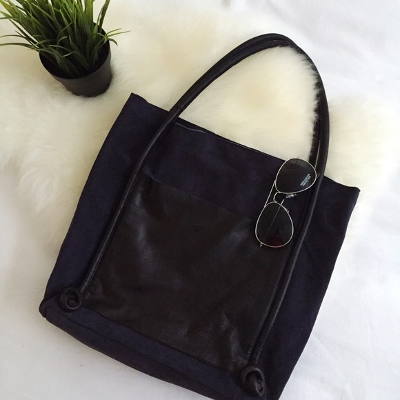 79e51b4983bc NWT Topshop navy and black suede   leather tote