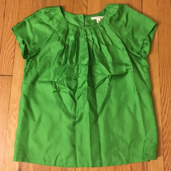49c526dbb5a89e Banana Republic Tops - Banana Republic Kelly green silk blouse