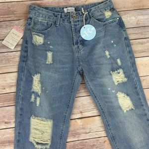 Tea n Cup Denim - Tea & Cup distressed Capri Denim Boyfriend jeans