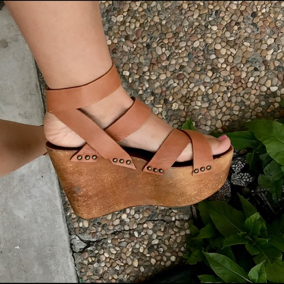 b127c3bac93 Joe's Jeans Brenda V wedge sandal