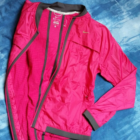 1d3d6d6ce42f NWT Nike Sphere Bomber running jacket