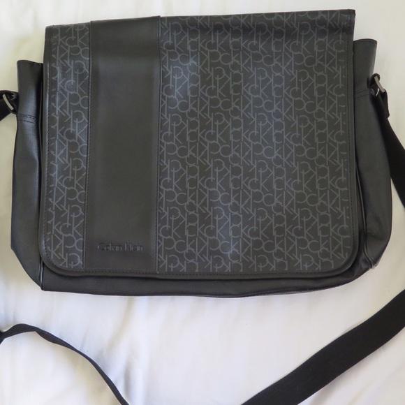 9b8314974d5 Calvin Klein Bags   Mens Messenger Bag   Poshmark