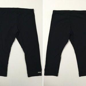 Lorna Jane Pants - [Lorna Jane] black athletic crop pants szS