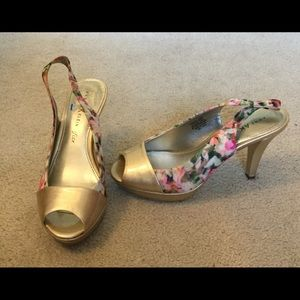 Anne Klein Shoes - Anne Klein Floral & Gold Sling Back