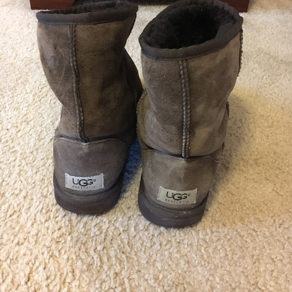 what size should i buy in uggs