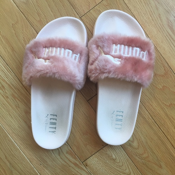 pretty nice 6db44 e86e4 Puma by Rihanna fenty faux fur pink slippers