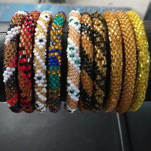 Jewelry - ❤️Bracelet made in Nepal rolls on bead