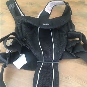 Bjorn Borg Other - Like new baby Bjorn baby carrier synergy