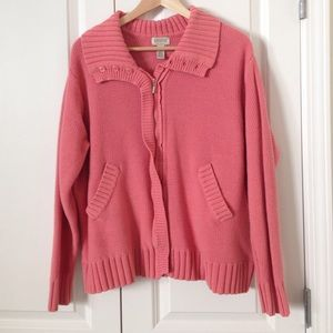 Classic Woman Sweaters - Classic woman's heavy pink cardigan