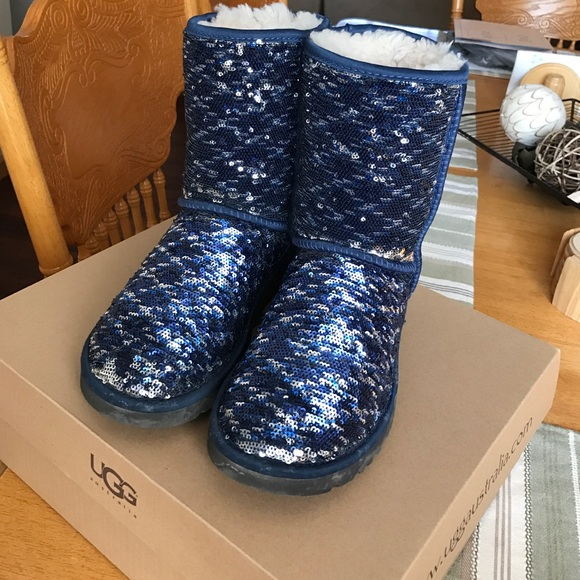 9772512b9f3 Blue and silver reversible sequin UGG Australia