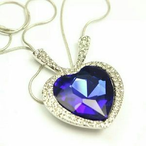 Jewelry - High quality TITANIC heart of the Ocean necklace