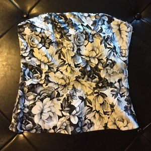 Black & white floral strapless (optional) top NWT