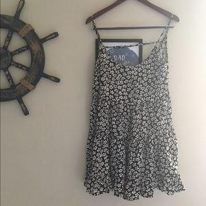NWT Brandy Melville Jada Dress Floral