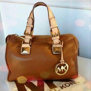 Michael Kors Handbags - ✨HPx2✨ MICHAEL KORS small grayson satchel