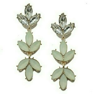 T&J Designs Jewelry - NWT WHITE IVORY DANGLE EARRINGS