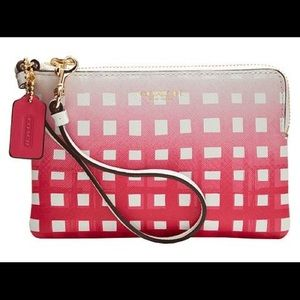 Coach Handbags - 😍1 HOUR SALE! NWT Coach Gingham RARE Wristlet!!