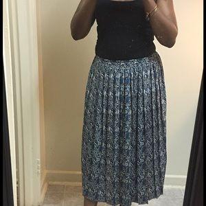 Vintage pleated maxi skirt