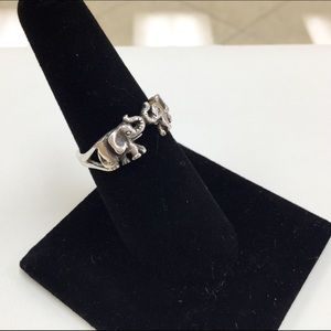 Jewelry - Vintage 925 Sterling Silver Elephants Ring!!