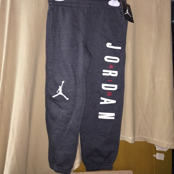 42bd8d32b80fcf Nwt kids boy Jordan gray sweatpants