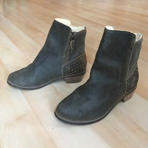 Reef Shoes - Dark grey/brown suede leather ankle boots
