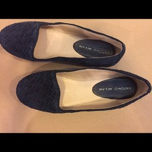 SALE NWOT Navy Blue Woven Leather flats
