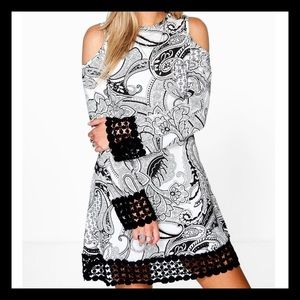 Dresses & Skirts - NWT❤️Soft & Stretchy Crocheted Dress❤️